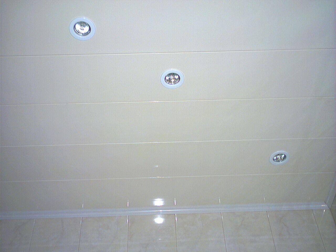 Потолок в туалете из панелей пвх своими руками